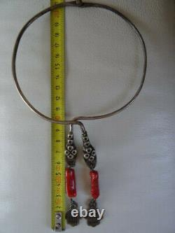Ancient Berber Torque Necklace In Silver And Coral / Ethnic Jewel