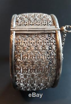 Superb Old Strap Opening Silver, Lace Work, 1900s
