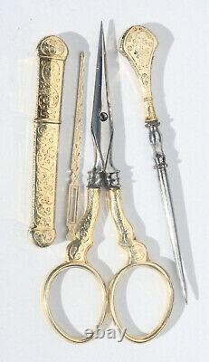 ARGENT VERMEIL Ancien nécessaire de couture Ciseaux à broder écrin PALAIS ROYAL