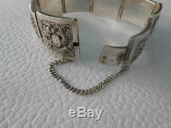 Ancien bracelet articulé en argent massif 51,80grs