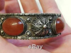 Ancien bracelet en argent massif et cornaline