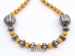 Ancien collier ethnique berbère en argent massif et perles pate de verre
