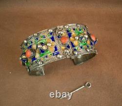 Beau Bracelet Manchette Ancien Berbere Kabyle En Argent Email Et Corail