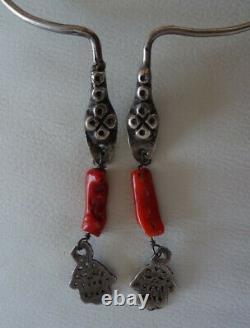 Collier Torque berbère ancienne en argent et corail / bijou ethnique
