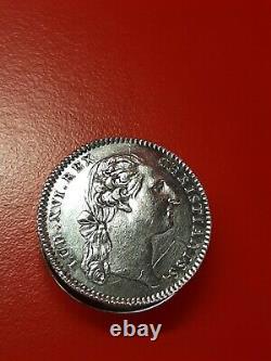 HERMES PARIS Superbe Ancienne boite pilulier LOUIS XVI en argent massif