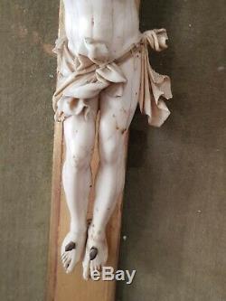 Magnifique grand christ sculptée Ancien fin 17ème début 18ème