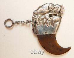 Pendentif amulette argent massif Dragon Chine Indochine bijou ancien 19e siècle
